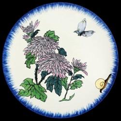 Plato hondo Crisantemos, mariposa y el caracol
