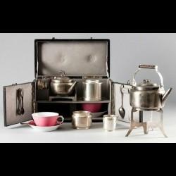 Valise à thé en métal argenté