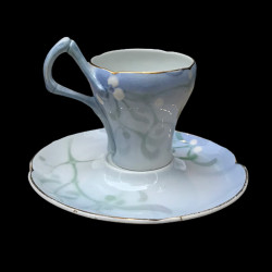 """Faience Cup and saucer """"Gui"""" Lachenal"""